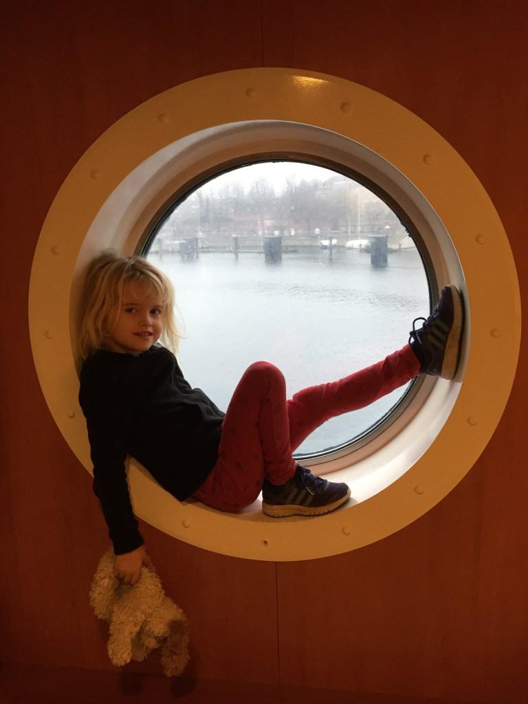 Oline på båten