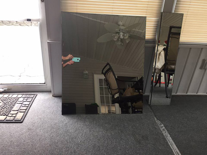 People trying to sell mirrors look hilarious.