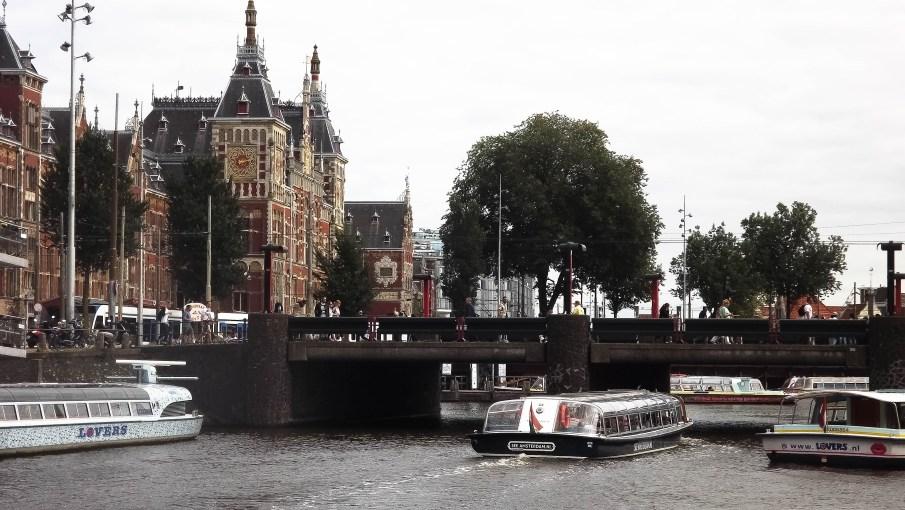Vista da estação central do barco