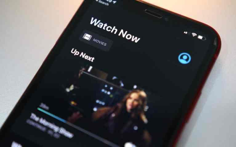 Как скачать фильмы и телешоу с Apple TV + на iPhone или iPad