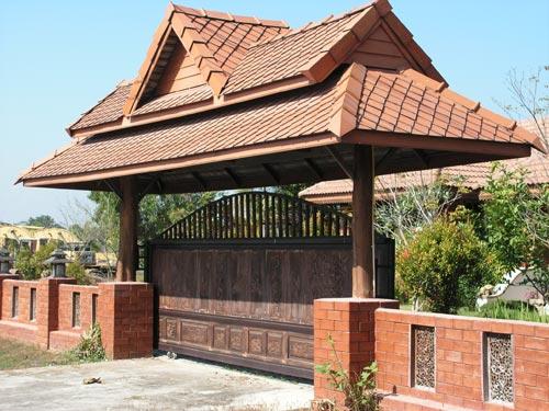откатные деревянные ворота с металлическим каркасом