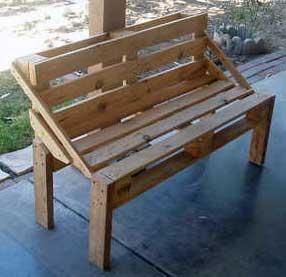 Деревянная скамейка из поддона своими руками