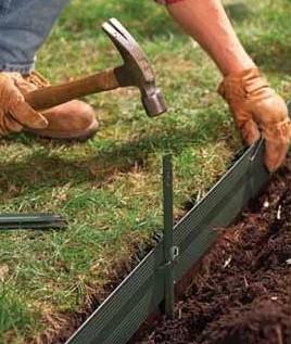 Как закрепить грай газона