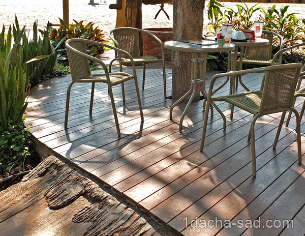 Деревянная терраса - патио