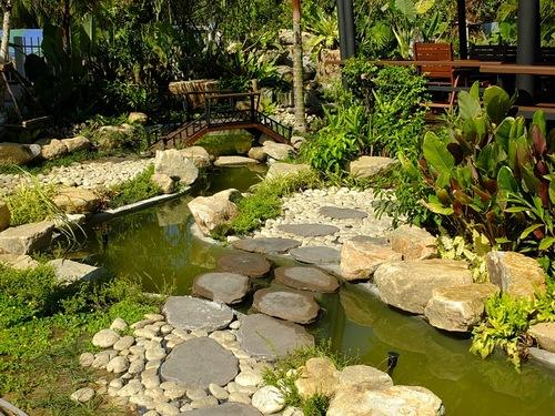 Каменная переправа через ручей