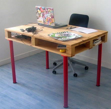 Стол для ноутбука из поддона