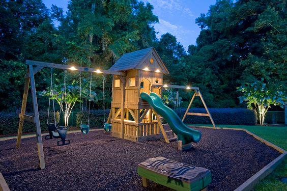 Детскую площадку своими руками сооружаем по готовому плану! Спортивная площадка для дома и дачи своими руками.