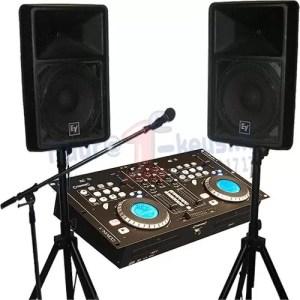 Deejayset huren compleet met luidsprekers, koptelefoon en microfoon