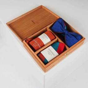 Set-Box-Fliege-Royal-Blau-Einstecktuch-Socken-orange-Gentlemans-Agreement