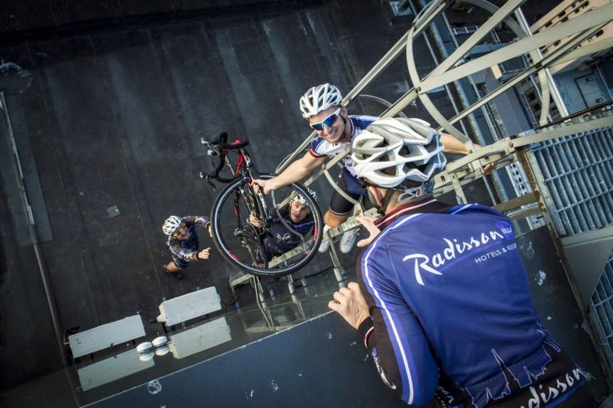 DSC5656 Radisson Blu Hotel Latvija riteņbraucēju komanda