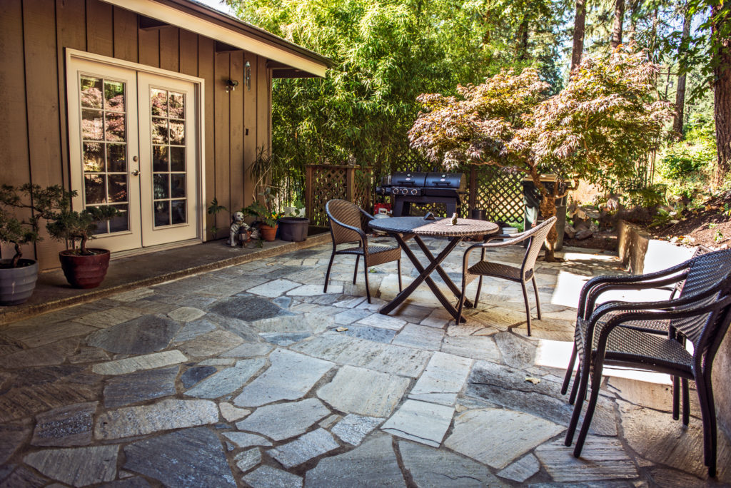 flagstone patios how to guide paving cost diy vs contractor install mutualmaterials com