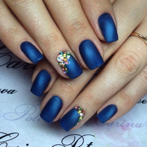Маникюр синим гель лаком: дизайн ногтей - фото идеи