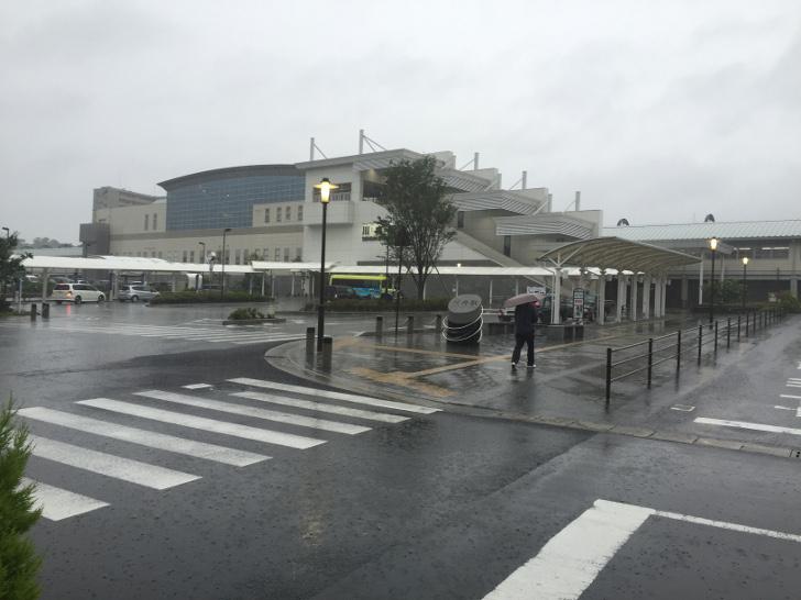 雨の薩摩川内駅