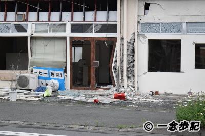 崇城大学ボランティアビレッジ周辺の倒壊寸前の建物03