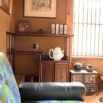 サワモトの二階の部屋の骨董品
