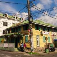 Une échappée colorée à Roseau, en Dominique