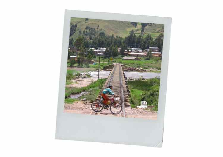 juliaca, pérou, train , vélo, lac titicaca