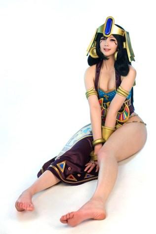 bo-anh-cosplay-nu-hoang-ai-cap-tu-nhom-spiral-cats 7
