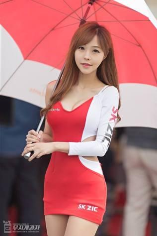 seo-jin-ah-showgirl-kiem-nu-streamer-goi-cam-den-tu-han-quoc 13