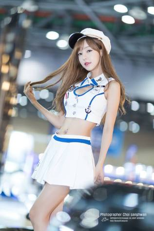 seo-jin-ah-showgirl-kiem-nu-streamer-goi-cam-den-tu-han-quoc 14