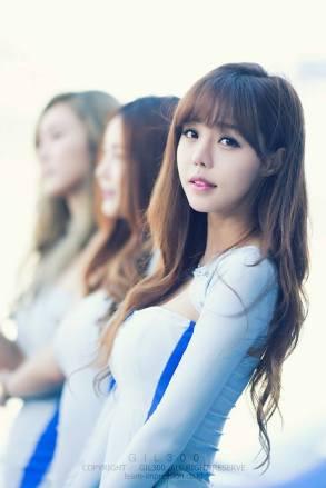 seo-jin-ah-showgirl-kiem-nu-streamer-goi-cam-den-tu-han-quoc 5