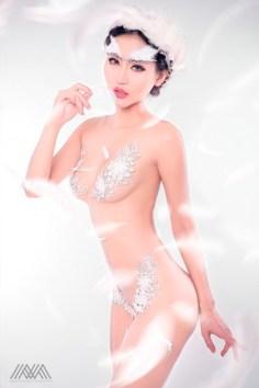 thien-than-pong-kyubi-goi-cam-voi-bo-anh-white-angel-cua-max-nguyen (2)