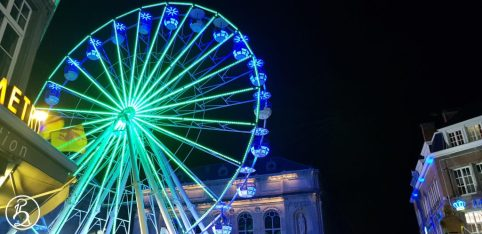 Grande roue illuminée
