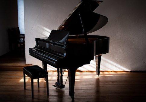 Le piano à queue, un exemple de piano acoustique