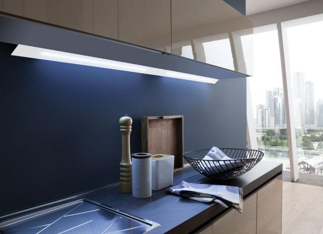 Кухня с подсветкой на мебели