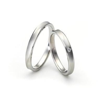 おしゃれなマット加工 ラザールダイヤモンドの結婚指輪をご成約。胎内市・新潟市T様・C様