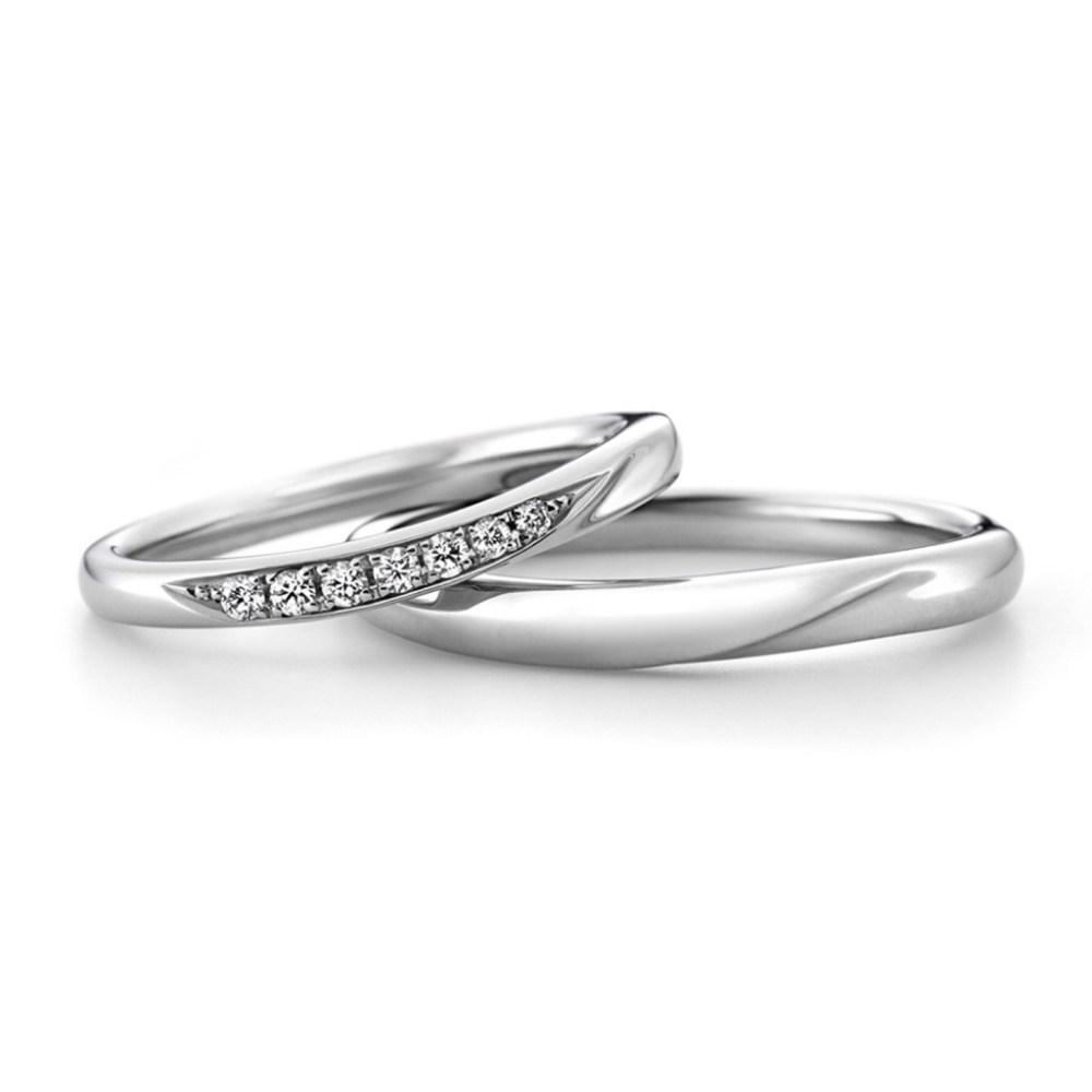 ラザールダイヤモンドの結婚指輪「カシオペア」