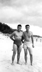Flores and Klauss hit the beach.