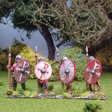 Warriors, unarmoured, standing,helmets, spears (4)