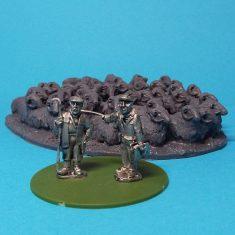 28mm Shepherd, Vet and flock of sheep.