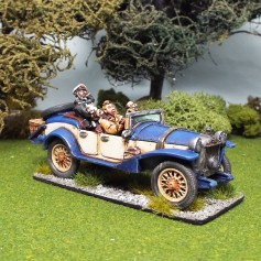 28mm nosey youth and companions in saloon car