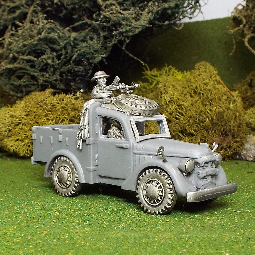 Light Utility Car with Military crew
