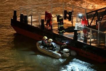 Hungarian boat carrying South Korean sinks, 7 die