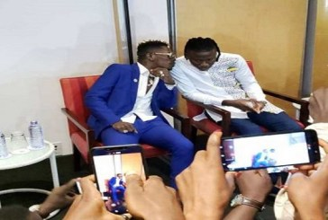 Shatta Wale kisses Stonebwoy during press conference (Video)