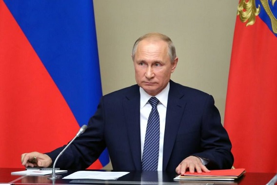 Putin reshuffles entire Russian government, can now stay in power past term limits