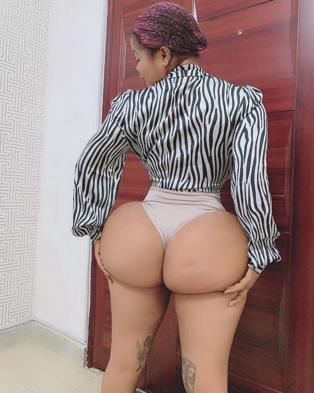 Roman Goddess flaunts massive buttocks on IG