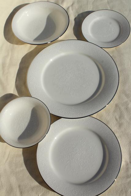 White Kitchen Utensil Set