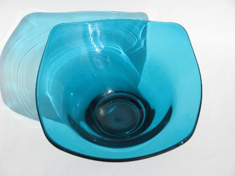 Mid Century Vintage Aqua Blue Art Glass Bowl Blenko Or