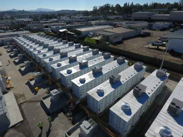 The world's biggest lithium battery farm – 1 Sun Solar ...
