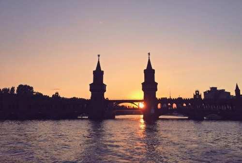 berlin_oberbaumbrücke_spree_1-thing-to-do