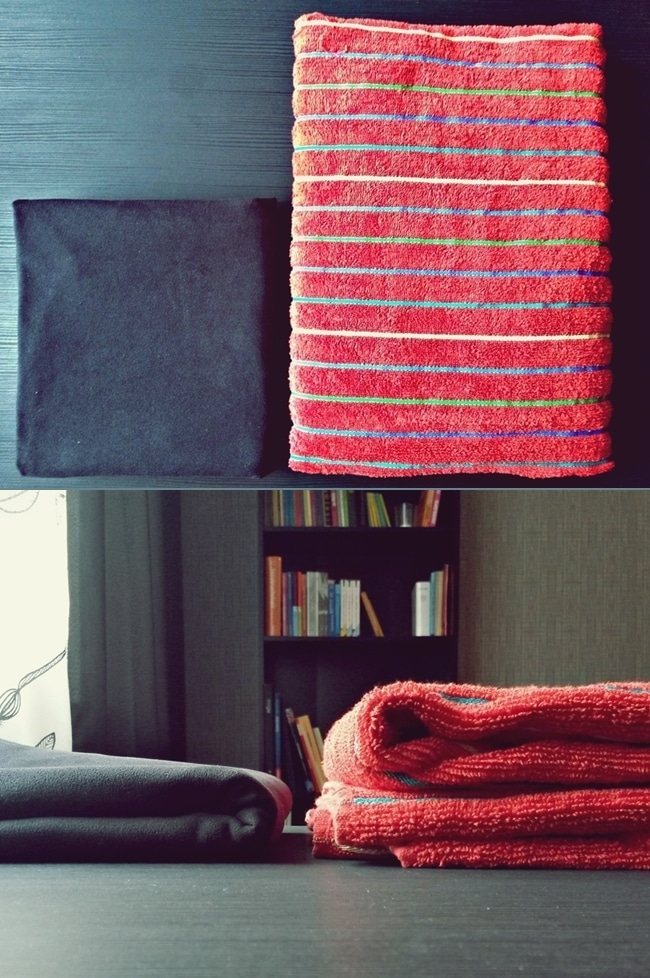Ein deutlich erkennbarer Größenunterschied zwischen dem Reisehandtuch links und dem normalen Handtuch rechts.