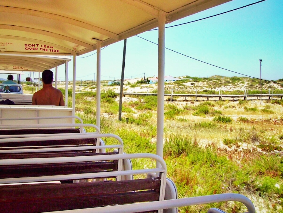 Costa da Caparica_Strandbahn_1 THING TO DO