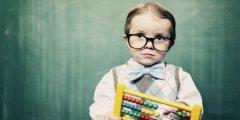 5 علامات وإشارات إن وُجِدَت بٍطفلك فهو ذكي!