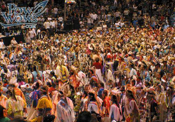 Gathering of Nations Pow Wow Grand Entry - PowWows.com ...