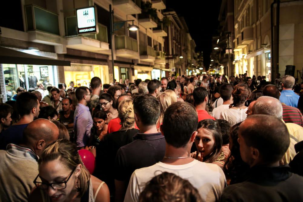 Notte Bianca In Arzignano 2017 Musica Spettacoli E Negozi