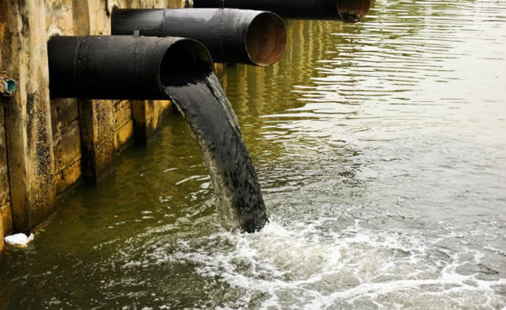 Risultati immagini per inquinamento acqua